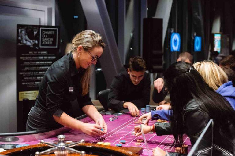 Croupier casino JOA