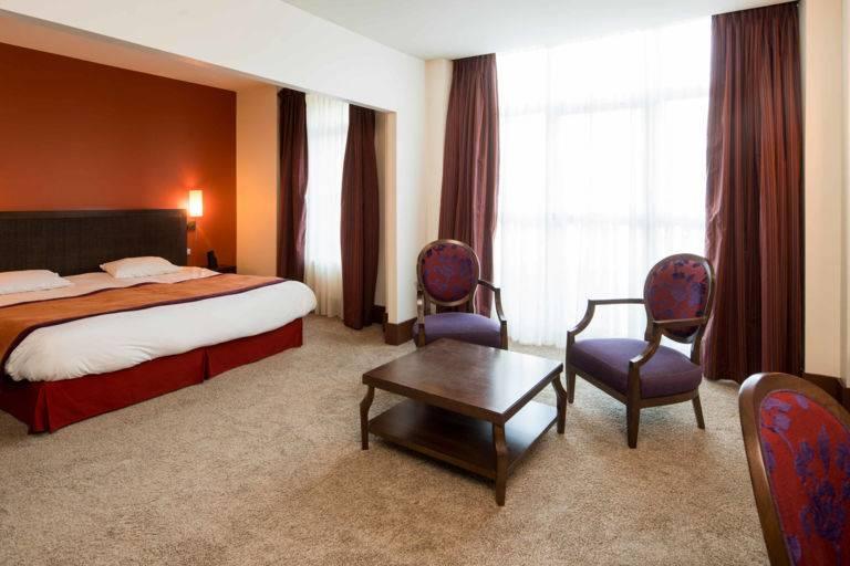 Chambre luxe hôtel Luxeuil Clos Rebillotte