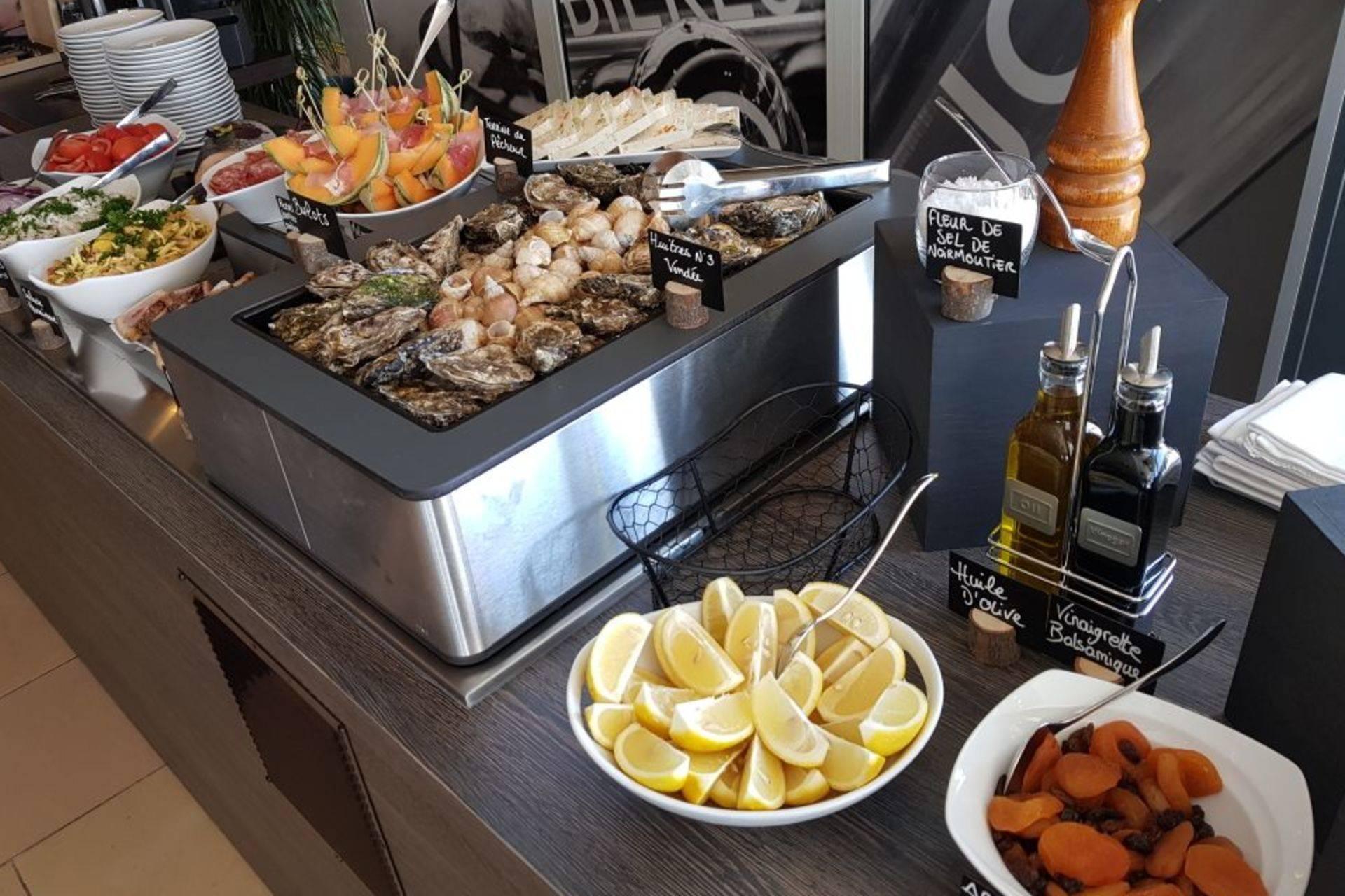 ST JEAN DE MONTS - resto - buffet2