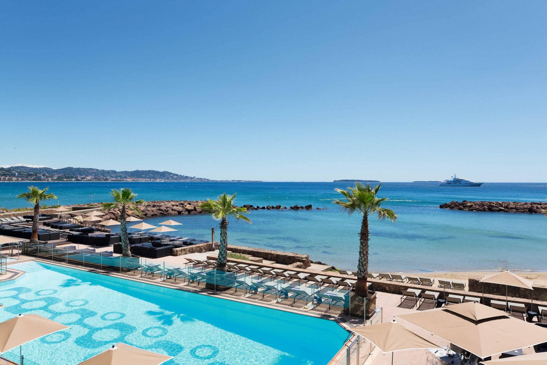 Piscine vue mer Cannes casino JOA