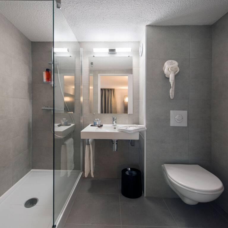 L'Hôtel by joa St Paul les Dax Salle de douche