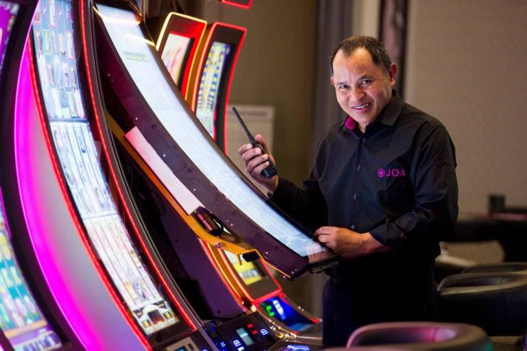 Technicien machines à sous casino JOA