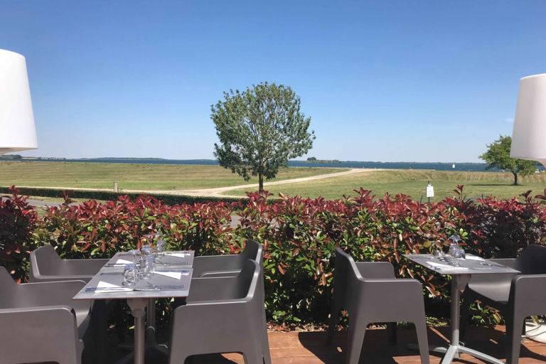 Terrasse restaurant bar Lac du Der - JOA